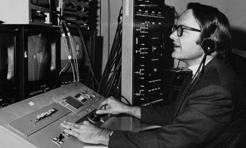 Умер создатель первой компьютерной мыши